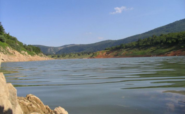 U Drvaru isti slučaj kao i u ostatku HBŽ: U Prekajskom jezeru uginula veća količina ribe