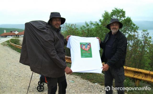 """KAKO REĆI HUMANOST NA 450 NAČINA """"Pješice u Hercegovinu za prijevremeno rođene blizance"""""""