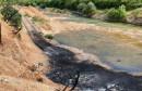 Spaljeno stotine automobilskih guma, sve odlazi u rijeku