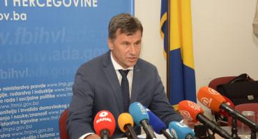 """NOVALIĆ I SKOČIBUŠIĆ """"Potpisali smo ugovor za nabavku pola milijuna doza kineskog cjepiva"""""""
