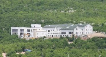 INVESTICIJA OD 4,5 MILIJUNA Iznad Mostara izgrađen moderni kompleks Islamske zajednice BiH