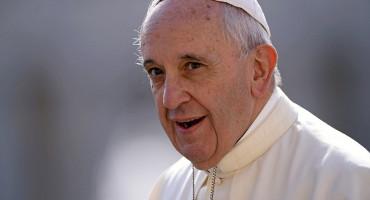 Papa Franjo pomaže migrante u BiH