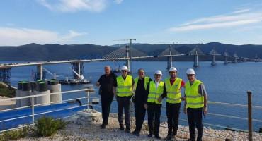 Stolački svećenici među prvima zagazili na novi Pelješki most