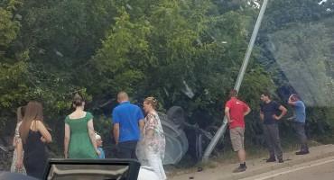 MOSTAR-ŠIROKI BRIJEG Udario u banderu i uništio auto