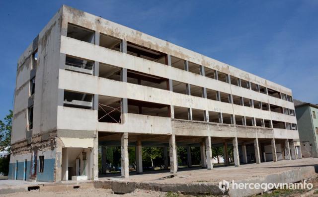 Pogledajte u kakvom su stanju prostorije koje Elektroprivreda HZ HB kupuje za najmanje 2.000 maraka po kvadratu
