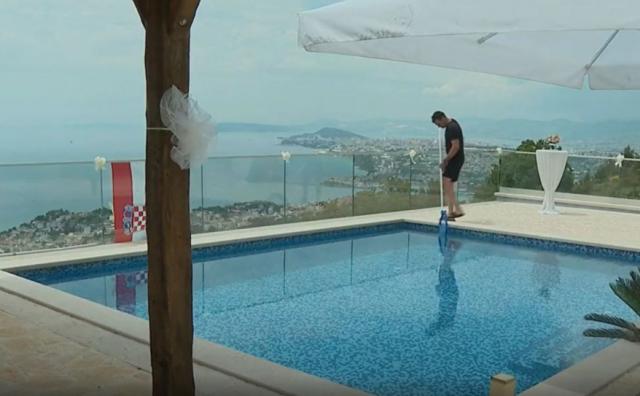 Kod Splita izgradili vile s bazenima, ali imaju veliki problem - nemaju vode