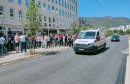 Više od stotinu doktora medicine i stomatologije prosvjedovalo pred Vladom u Mostaru