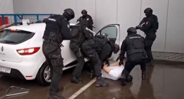 BOSNA Uhićen zbog ubojstva u Crnoj Gori, sa njim privedeni i policijski službenici