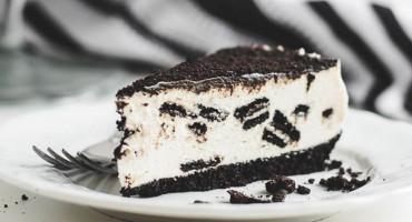 Najbrža sladoledna Oreo torta koju pravimo za vikend