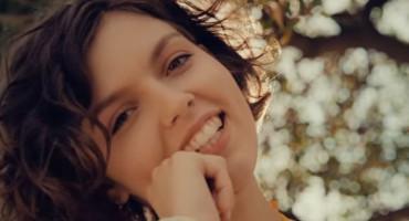 Mlada mostarska kantautorica Pava objavila svoj prvi singl