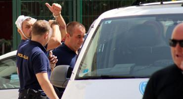 Ovo je osumnjičeni za pokušaj pljačke zlatarne u Mostaru