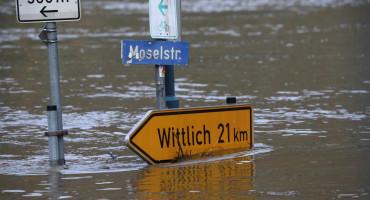 PROGLAŠENO STANJE KATASTROFE Velika oluja prouzročila probleme stanovnicima Bavarske