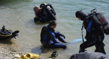 NA 46 METARA DUBINE Pronađeno tijelo mladića koji se utopio na jezeru