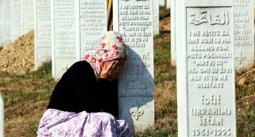 Srebrenička tragedija odjekuje regijom:  Najmlađa žrtva koja se danas ukopava imala je samo 16 godina