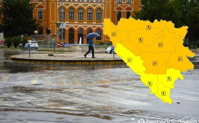OBILNE PADALINE Narančasto upozorenje zbog kiše i grmljavine u BiH