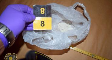 FUP IZVRŠIO PRETRES Dvije osobe uhićene zbog droge i oružja