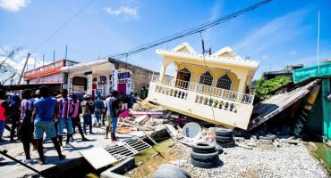 HAITI Više od 300 osoba poginulo u razornom potresu