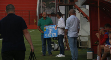OBEĆANO - ISPUNJENO Tuzla City u Mostar donijela ček u iznosu 20.000 maraka