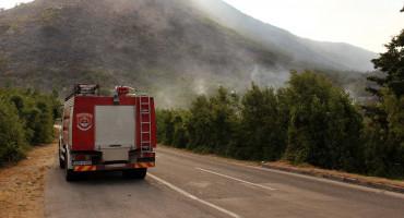 Požar se od Stoca proširio prema Ljubinju, vatrena linija duga 8 km