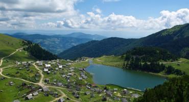 NOVA TRAGEDIJA U BIH Petnaestogodišnjak se utopio u Prokoškom jezeru