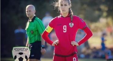 KAPETANICA MOLI POMOĆ FIFA-e Dojučerašnje zvijezde Afganistana spaljuju dresove i skrivaju se, boje se da će postati seksualne robinje