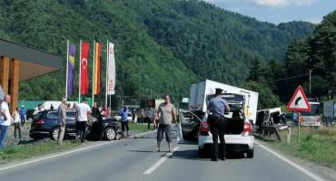 SUDAR AUTA I KAMIONA Još jedna žrtva prometne nesreće na cestama u BiH
