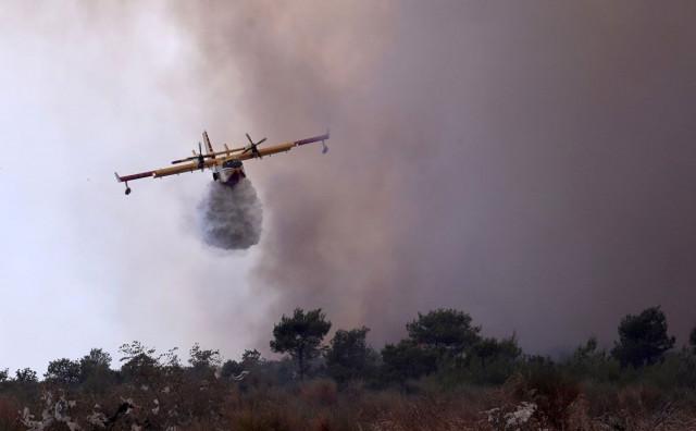 Veliki požar kod Trogira nije pod nadzorom