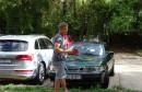 Poznatom glumcu u Mostaru demoliran automobil