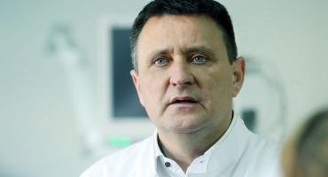 SKANDAL U RS Dr. Đajić istovremeno i ravnatelj bolnice i vodi Dodikov SNSD u Banja Luci