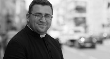 SVEĆENIK VRHBOSANSKE NADBISKUPIJE U svojoj 30. godini života preminuo don Adnan Petar Mihael Jašarević