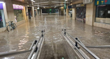 Ljubljana ne pamti zadnjih 250 godina ovakve poplave; evakuirano kazalište, pod vodom ceste i objekti