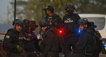 U zatvorskoj tučnjavi preko 100 mrtvih i 80 ozlijeđenih, 400 policajaca vraća kontrolu