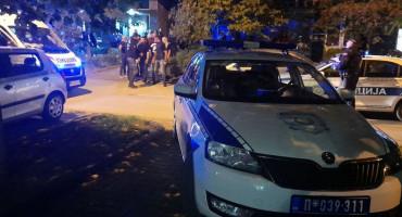 SRBIJA Rasvijetljeno ubojstvo MMA borca: Uhićeno 13 osoba, zaplijenjeno oružje, vozila, novac ...