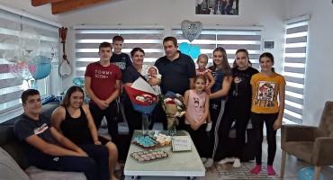 TO JE PRAVO BOGATSTVO Deseto dijete u obitelji Tomić