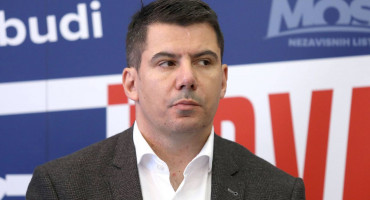 """NIKOLA GRMOJA """"Hrvate u BiH treba zaštititi, dosta im je recikliranih tzv. alternativnih politika"""""""
