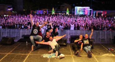Energični nastupi na Mostar summer festu, evo kako je izgledalo drugu noć ....