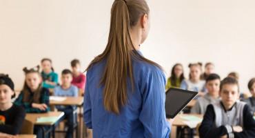 IMA PRAVO ŽALBE Učiteljica dobila otkaz jer se odbila cijepiti, testirati i nositi masku