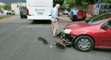 PROMETNA NESREĆA Veća materijalna šteta u sudaru autobusa i Golfa 5