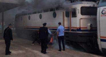 NEKI DAN BRADINA, VEČERAS Zapalio se vlak u Konjicu, putnici evakuirani