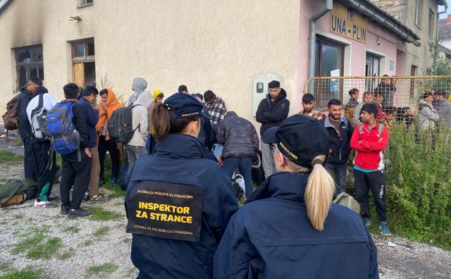 Policija pronašla 70 migranata samaca