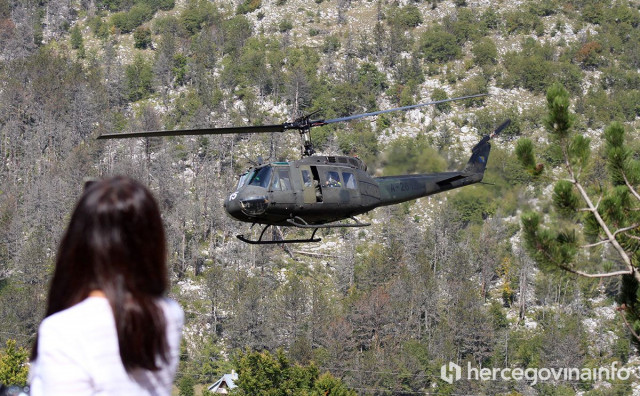 TO JE BIH S helikopterima se ide na rođendan i gase lažni požari, pravi ne