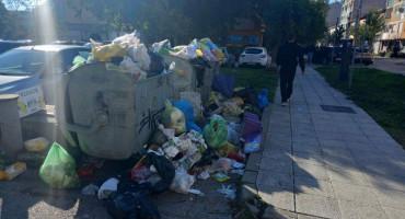 Dijelovi Mostara ponovno zatrpani smećem