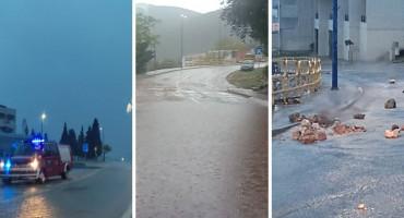 U Neumu poplavljene ulice, garaže i poslovni prostori