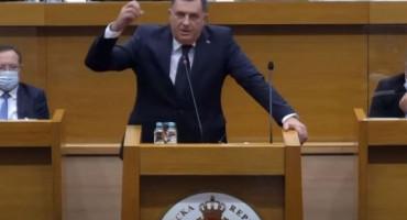 """Dodik: """"Kćer plaća kiriju za restoran i negativno posluje, a sin nije zaposlen"""""""