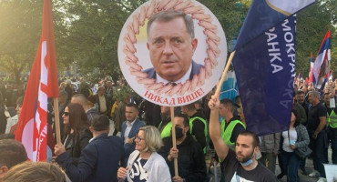 """BANJA LUKA NA NOGAMA """"Skinut ćemo nenarodnu vlast, poslati ih u zatvore"""""""