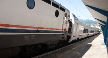 NAPAD KOD MOSTARA Jednomjesečni pritvor migrantima koji su napali osoblje i vlak Željeznica FBiH